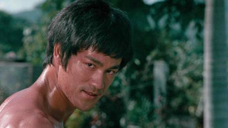 fists-of-fury-bruce-lee-26581975-1280-720