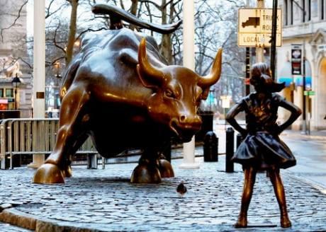 rts11u5n_fearless-girl-statue-bull-zoom-752333ba-0339-4c08-bc32-bfc57bd86342.jpg